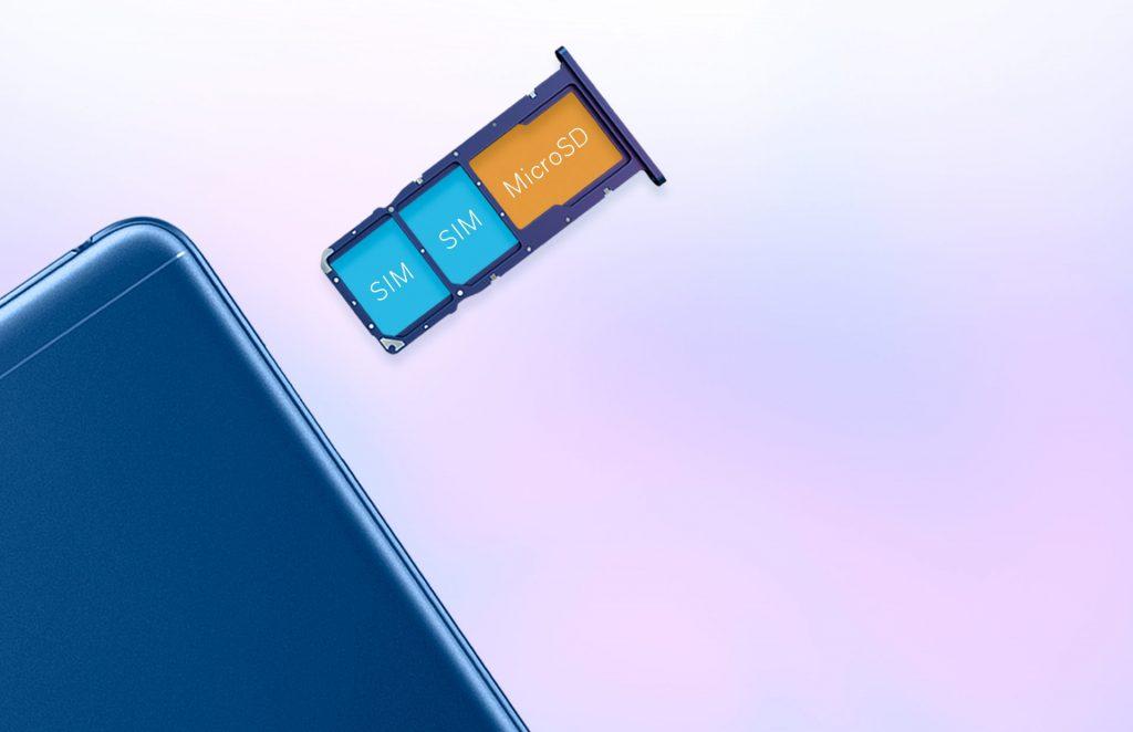 Отдельный слот для карты памяти