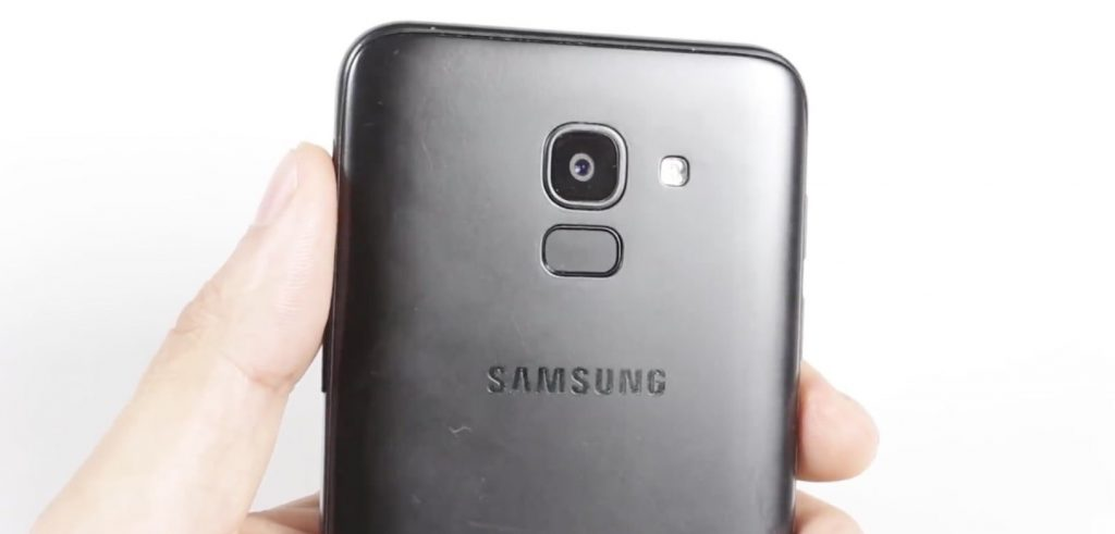 Сканер отпечатка пальца на задней панели
