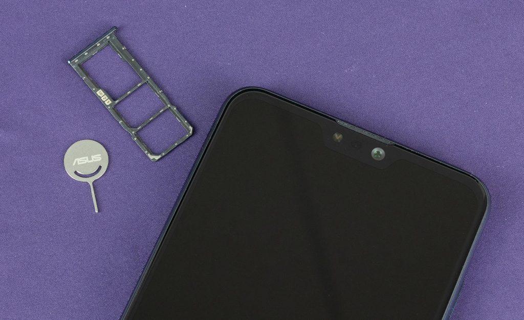 Один лоток для двух SIM-карт и microSD